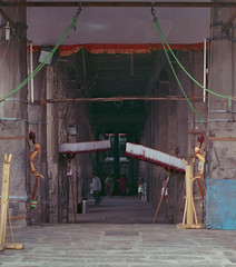 Temple entrance (Karthik Thorali) Tags: india streets architecture canon temple outdoor weekend superia streetphotography fujifilm chennai 800 cwc 500n clickers triplicane fujifilmsuperia800 130216 chennaiweekendclickers cwcchennaiweekendclickers 13feb2016 cwc508