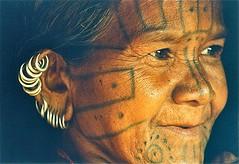 India-Orissa-Kondha tribe (venturidonatella) Tags: portrait people woman india face tattoo persona women asia faces persone sguardo ritratto orissa gentes tatuaggio volti facce tatuaggi nikonf401 kondha odisha