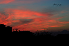 Il cielo assorbe tutti i pensieri, poi li brucia. (Sara Orsini Photography) Tags: sky nature landscape colorful colours shadows cloudy burning redsky pescara nuances