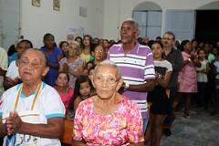 Tambm as irms, Ir. Alessandra e Ir. Amanda participavam escondidadas na multido 102 (vandevoern) Tags: brasil maranho simpatia misso bacabal vilafreisolano vandevoern contgio sofranciscosolano