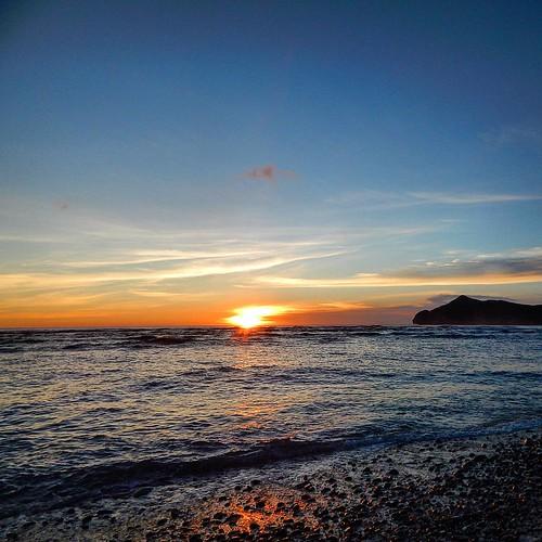 #sunsets #love_sunset #sunsetlovers #sekongkang #sumbawabarat #indonesia #pocket_indonesia #sunrise_sunsets_aroundworld #tgif_sunset #pocket_beaches #pocket_sky #azphotoz #natura #landscape #igers #igaddict #super_photosunsets