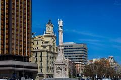Plaza de Coln... (Leo ) Tags: madrid arquitectura rotonda escultura cielo urbana contrastes plazadecoln
