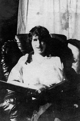 lucy miller - 1915 (Doctor Casino) Tags: florentine