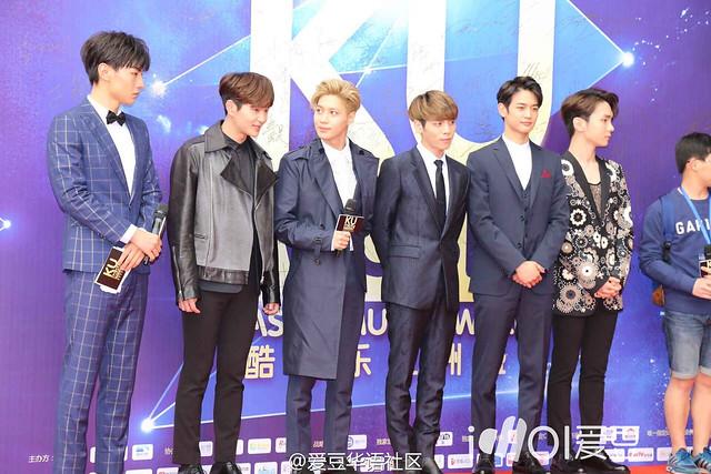 160329 SHINee @ 2016 KU Asia Music Awards' 26193568915_46a392d0a2_z