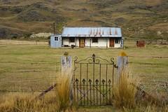 Old farmhouse, Nevis Valley, NZ (Joe Lewit) Tags: farmhouse gate iron variosonnart282470 newzealand nevisvalley