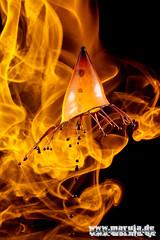 in flames (3) (michaelfritze) Tags: wasser bubbles drop splash liquids highspeed wassertropfen tropfen tats highspeedphotography fontne liquidart strobist farbtropfen hochgeschwindigkeitsfotografie liquiddrop stopshot michaelfritze