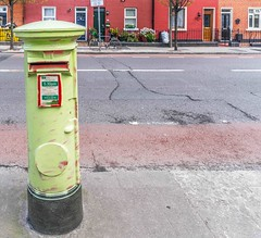 A BADLY PAINTED LETTER BOX ON CHURCH STREET [WHERE IS THE LOGO?]-115410 (infomatique) Tags: red green logo postbox graftonstreet pillarbox libertyhall 1874 northumberlandroad royalred williammurphy royalcollegeofsurgeons streetsofdublin infomatique easterweek1916 badlypainted zozimuz