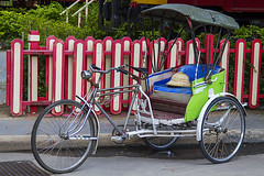 HuaHin_5203 (JCS75) Tags: horizontal canon thailand photography asia tricycle taxi transport huahin colorimage