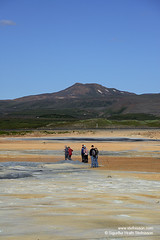 shs_n8_024025 (Stefnisson) Tags: iceland tourist tourists geothermal myvatn sland hver nmaskar mvatn fumaroles hverir feramaur tristar tristi hverasvi feramenn jarhiti stefnisson
