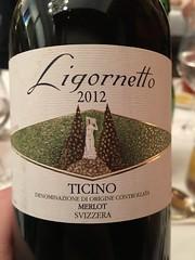 IMG_0229 (bepunkt) Tags: wine winebottle vino wein winelabel weinflaschen etiketten weinetiketten