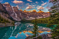 Moraine Lake Classic (Cole Chase Photography) Tags: canon banff lakelouise banffnationalpark t3i morainelake canadianrockies