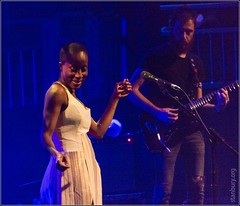 Rokia Traor (FlickrDelusions) Tags: london musicians livemusic theroundhouse rokiatraor