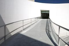 Centro Cultural Caja Granada . Entrada al patio (Micheo) Tags: photographer closer fotografo exposicin arquitecto albertocampobaeza josemariamellado centroculturalcajagranada
