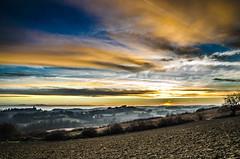 Valeurs marchandes ... (!?) (Fabrice Le Coq) Tags: jaune de soleil coucher bleu ciel nuage paysage extérieur coucherdesoleil leverdujour fabricelecoq