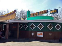 Hot Dog Johnny's Buttzville Belvidere  NJ Retro Roadmap (Mod Betty / RetroRoadmap.com) Tags: nj hotdogs hotdogjohnnys buttzville newjerseybelvidere