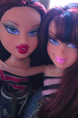 ~Myspace pic~ (Vuffy VonHoof) Tags: pink school girls light girl early cool doll 2000 dolls profile picture teens pic myspace teen photograph brats bratz 2000s 00s roxxi twiins dtwins