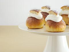Semlor (IFeelCook) Tags: easter recipe almond whippedcream buns marzipan nata semlor cardamom semla almendra bollos mazapn swedishbuns cardamombuns ibanyarza lentbuns bollosdecardamomo bollossuecos bollosdecuaresma scandinavianrecipes
