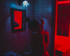 (thiago lima.) Tags: portrait sexy luz azul brasil cores retrato sp vermelha sombras pele curvas thiagolima