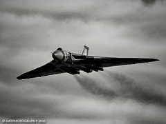 vulcbw-1-1-1 (Stewart Taylor (SMT Photography)) Tags: blackandwhite history classic photography flying photo blackwhite aircraft aviation air flight historic airshow nostalgia vulcan bomber raf avro airdisplay vbomber royalairforce churchfenton xh558 avrovulcan flyingdisplay classicjet theyorkshireairshow