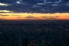 Belo Horizonte (Johnny Photofucker) Tags: city sunset cidade sky urban cloud minasgerais clouds tramonto nuvole nuvola ciudad cu prdosol cielo nuvens urbano belohorizonte nuvem anoitecer bh citt lightroom entardecer urbanidade