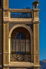 gargnano 151107_063 (gmcvrphoto) Tags: lago garda edificio arco architettura luce facciata gargnano allaperto