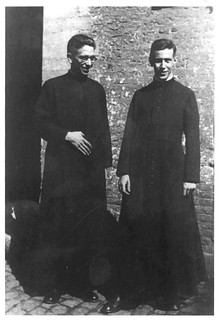 15. Ordenado sacerdote