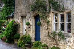 LACOCK (toyaguerrero) Tags: uk inglaterra england english heritage architecture rural arquitectura britain cottage harrypotter wiltshire nationaltrust lacock prideandprejudice quintessential englishness maravictoriaguerrerocataln toyaguerrero