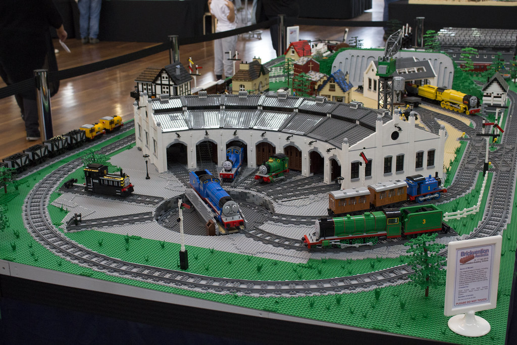 Thomas The Tank Engine Roundhouse Pictures 18