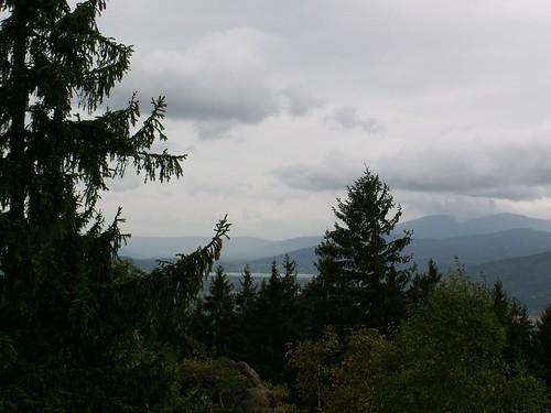 Widok z Bobrowych Skał na Kotlinę Jeleniogórską