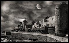 Castillo y faro de Roquetas de Mar (Vanesa Naranjo) Tags: plaza las del de mar grande los cabo playa gata toros muertos almera dedo cala cerrillos roquetas arrecife seor sirenas barronal