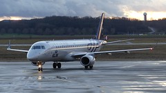 PH-EZX (Breitling Jet Team) Tags: basel flughafen klm bsl mlh euroairport livery skyteam phezx