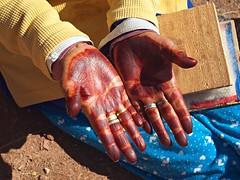 Wool carder's hands, Talouet (nisudapi) Tags: wool hands morocco kasbah carding 2015 telouet