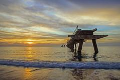 Pontile (masy.lombardo) Tags: tramonto nuvole mare natura cielo tramonti paesaggi ambiente panorami allaperto