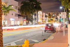 Miami Beach Night Scene (FOXTROT|ROMEO) Tags: street longexposure light beach lights florida miami palm avenue fla collins palme 30sec lichter oceandrive langzeitbelichtung langebelichtung collinsave lichtspuren