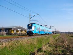 Protos en Sikken bij Barneveld Zuid (Johnny_Hibma) Tags: trein protos stoptrein sik barneveld connexxion zuge valleilijn sikken oersik barneveldzuid