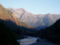 Bajo Punilla - Chile (Nicols Mndez) Tags: chile atardecer olympus campo cordillera resplandor outdor uble