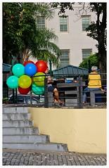 Balloons (gomesjose55) Tags: red verde green colors yellow architecture digital 35mm rojo arquitectura colours oldsanjuan puertorico colores personas cobblestone textures sanjuan amarillo texturas viejosanjuan digitalphotography adoquines canonlens lightroom3 canoneos60d canonlensef1785mm