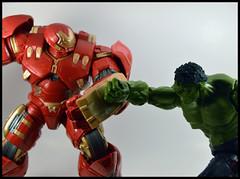 1 Year In A Toybox 2, 107_366 - Hulkbuster v Hulk (Corey's Toybox) Tags: movie toy actionfigure ironman figure marvellegends hulk marvel hasbro series3 hulkbuster 1yearinatoybox2 hulkbusterbaf hulkbusterbafwave