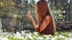 83/366: gathering flowers (Andrea  Alonso) Tags: flowers naturaleza selfportrait verde primavera me nature girl grass canon garden hair 50mm spring long flor daisy margarita 365 autorretrato pelo jardn hierba 366 83365 83366