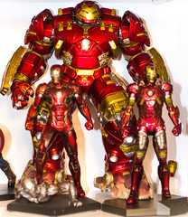IMG_1243 (Thomas' Collection) Tags: man iron ironman 45 veronika veronica 44 ultron markvii hulkbuster markxliv markxlv