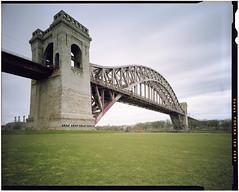 Hell Gate Bridge (malarchie) Tags: newyorkcity eastriver hellgatebridge archbridge newyorkconnectingrailroad