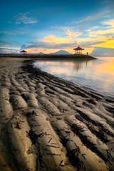 [K3GP4506pp] THE COASTAL STRIPS (JW Hisham Marmin) Tags: sunset sea bali seascape beach nature water rock indonesia landscape waves dri hdr highdynamicrange sanur k3 photomatixpro leefilter pantaikarang hishammarmincom hishammarmin pentaxk3 pentaxsmcpda1224mmf4edalif boatlee105mmlandscapepolariser