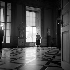 Marble Hall (DanRSmith) Tags: light blackandwhite bw monochrome rolleiflex floor ilfordhp5 marble rodinal nationaltrust petworth