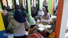 KELUARGA BESAR DINAS PERHUBUNGAN KOTA SURABAYA MENGGELAR ISTIGHOSAH DAN DOA BERSAMA DI MASJID AL-MUTTAQIM, SELASA (16/04/2016). (Dinas Perhubungan Kota Surabaya) Tags: terminal jalan sekolah kota surabaya dinas transportasi parkir jonan irvan kementerian emisi pemkot lalulintas perhubungan dishub kepolisian keselamatan bungurasih menhub purabaya irvanwahyudrajad dishubkominfo kemenhub llaj ujikir jukir httpswwwfacebookcomdinasperhubungankotasurabayasurabayatransportdepartment102421616507356 httpsitsdishubsurabayagoidver2home httpstwittercomsbytrafficserv httpswwwyoutubecomuserdishubsurabaya httpdishubsurabayagoid