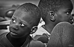 La mirada blanca (Franco DAlbao) Tags: friends portrait bw amigos look children eyes fuji retrato fear nios bn ojos mirada foreigners miedo extraos sern dalbao francodalbao amad