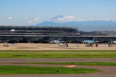 Haneda Airport, with Mount Fuji in the distance (Karn B) Tags: summer japan airplane tokyo airport day mountfuji hanedaairport