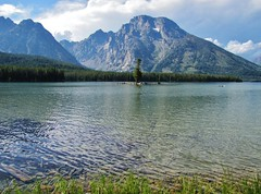Leigh Lake, Grand Teton National Park (wldrns) Tags: hiking wyoming grandtetonnationalpark leighlake leighlaketrail