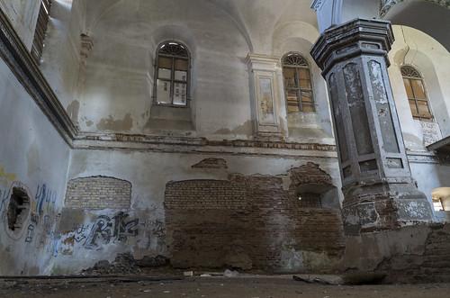 Inside Slonim Synagogue, 04.05.2014.