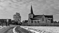 Eglise de Bleret (geoffreymaillard) Tags: schnee sun white snow black church rural landscape soleil noir dorf village belgium belgique sneeuw belgi kirche land neige paysage et landschaft sonne dem campagne weiss auf blanc zon kerk schwarz eglise dorp landschap begraafplaats lige belgien cimetire wallonie kampagne landelijk waremme hesbaye waals wallone bleret wallonisch