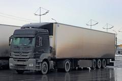 Mercedes-Benz Axor 1840   105  71 (RUS) (zauralec) Tags: auto car 71 mercedesbenz truk 105 1840 rus    kurgan  axor         shoppingcenterhypercity